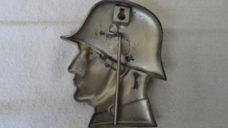 Flat Standing German Soldier w/ Helmet (made of metal w/ a kickstand)