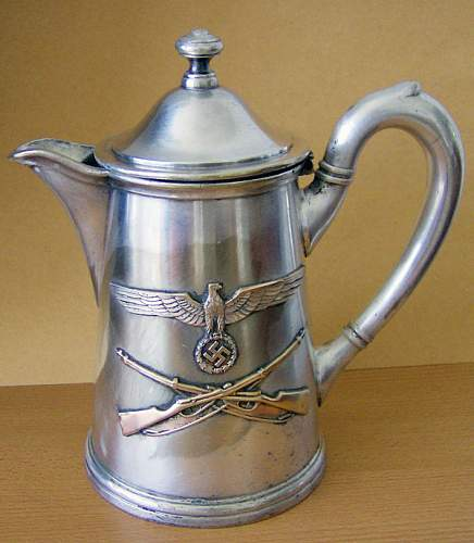 Teapot and coffepot - authentic?