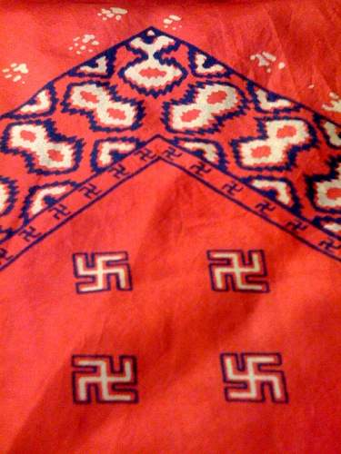 Click image for larger version.  Name:swastikas.jpg Views:641 Size:211.1 KB ID:12877