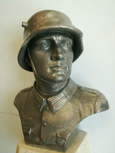 Wehrmacht soldier bust with dedication plaque
