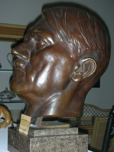 Pagels Hitler Bust: Max Show find