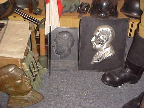 Hitler Plaque/Profile