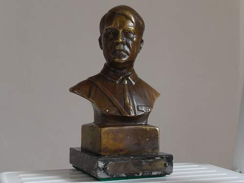 Opinions on this small Hitler bust.