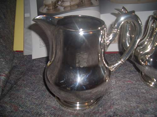 Click image for larger version.  Name:REICHSKANZLEI TEAPOT AND MILK JUG 0CTOBER 27TH 07 002.jpg Views:249 Size:194.8 KB ID:255866