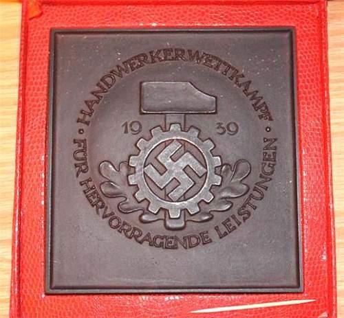 DAF Award Plaque