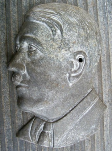DieCast Aluminum Hitler Bust for Plaque?