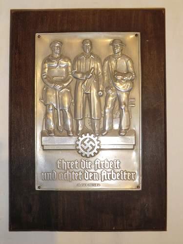 Small DAF plaque