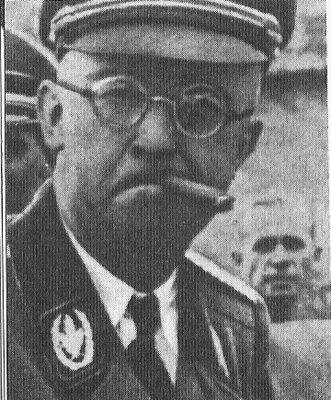 Name:  heinrich Himmler mafia style cigarette cigar reichsfuhrer ss.jpg Views: 876 Size:  46.7 KB
