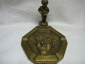 boy peeing on hitlers face ashtray