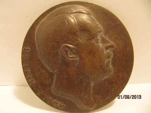 Coin/Medal  Hitler  ?????  real or fantasy