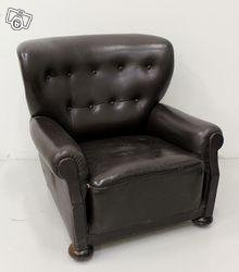 Cool Leather chair from the 30s (nazi german).