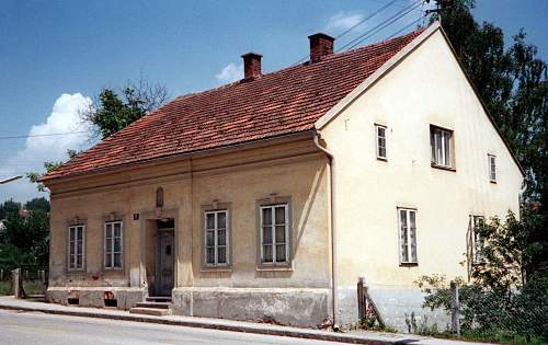 Click image for larger version.  Name:leonding house.jpg Views:213 Size:232.5 KB ID:790053