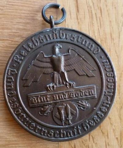 Name:  Bronzemedaille Blut und Boden Pferdezucht III. Reich OBv.JPG Views: 492 Size:  154.0 KB