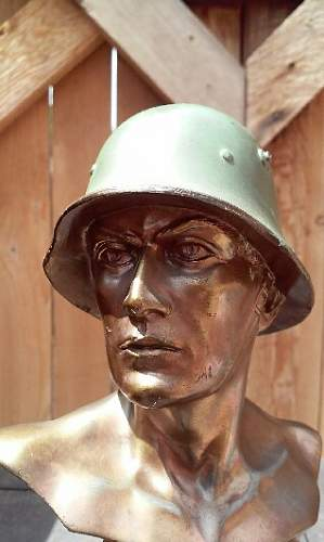 Soldier bust maker id