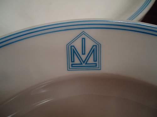 RAD china set.... what is this emblem?