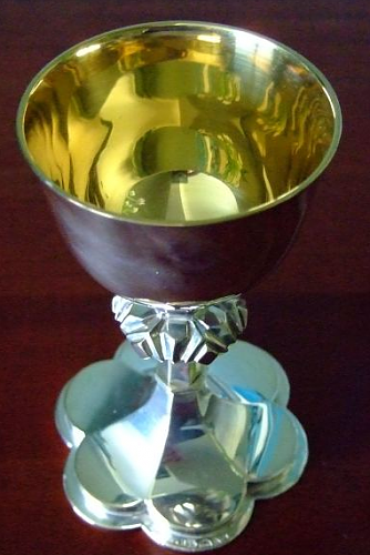 Click image for larger version.  Name:Communion-Chalice.png Views:4 Size:286.9 KB ID:993106