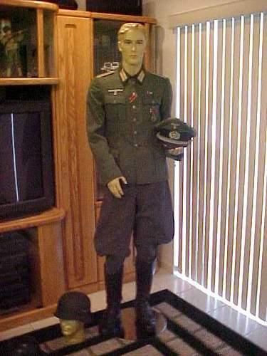 German Officer-1.jpg