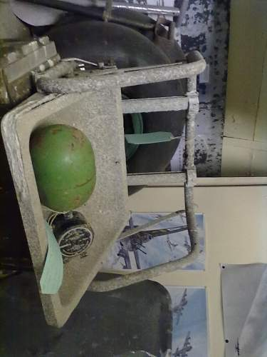 Can someone please id this aircraft seat for me