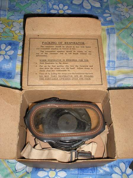 UK issue gas mask to civilians, WWII