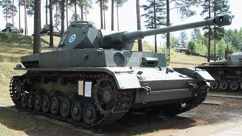 Panzer_IV_Ausf_J_Parola_1.jpg
