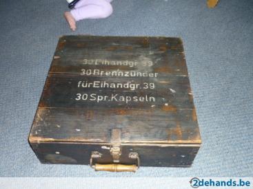 127535183-zeldzaam-eiergranate-kist-hout.jpg