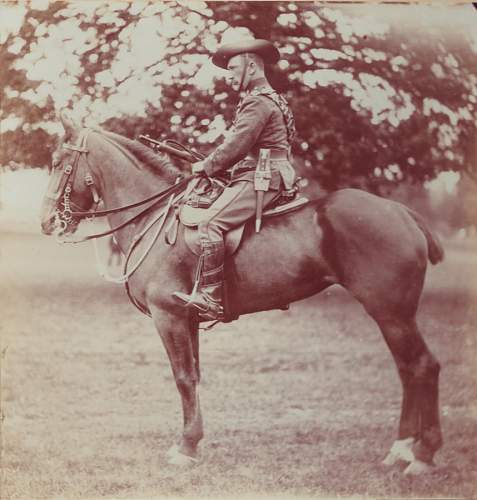 Can anyone help me Identify this mounted soldiers country? Aussie-Brit?