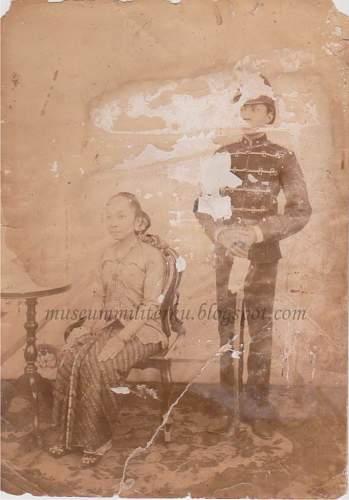 Click image for larger version.  Name:Tweede Luitenant der Kavallerie 1894-1912 wm.jpg Views:5 Size:135.5 KB ID:805902