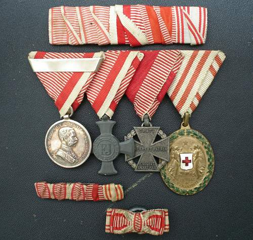 Kuk medal clasp and German Armeedolch