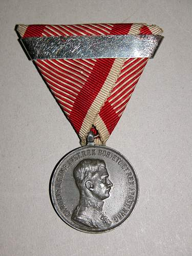 Click image for larger version.  Name:kuk medal 006.jpg Views:131 Size:341.2 KB ID:547677