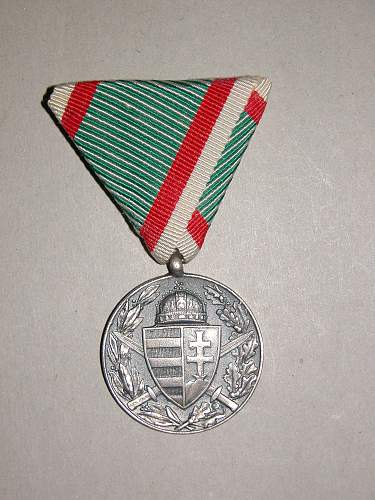Click image for larger version.  Name:KuKmedals 006.jpg Views:293 Size:337.7 KB ID:577060