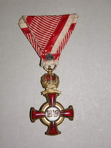 Click image for larger version.  Name:KuKmedals 011.jpg Views:257 Size:332.0 KB ID:577070