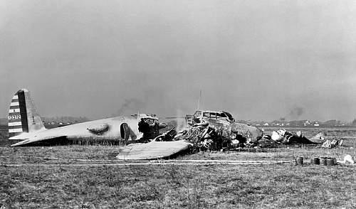 Click image for larger version.  Name:800px-Boeing_Model_299_crash.jpg Views:146 Size:69.9 KB ID:105322