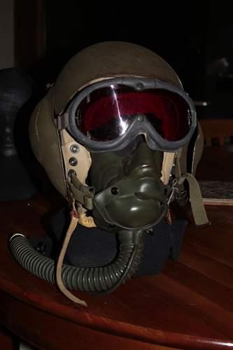 Some USAAF stuff... mask, flying goggle, ...