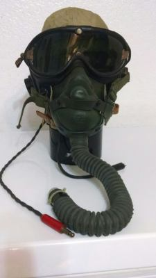Some USAAF stuff... mask, flying goggle, ...