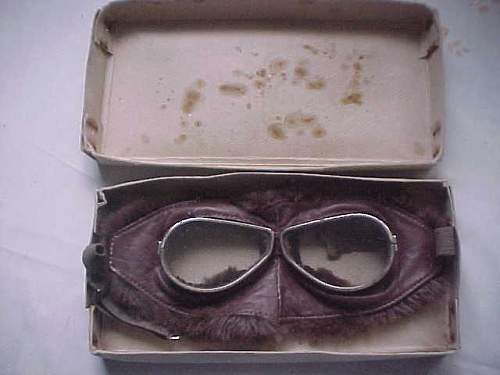 Click image for larger version.  Name:ww1furgoggles1.jpg Views:89 Size:22.6 KB ID:121796