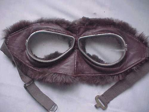 Click image for larger version.  Name:ww1furgoggles2.jpg Views:350 Size:23.8 KB ID:121797