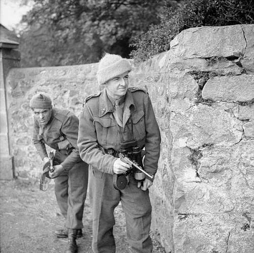 Click image for larger version.  Name:601px-H_014599_101_Troop_Special_Service_Brigade_Oct_1941.jpg Views:37 Size:81.9 KB ID:461360