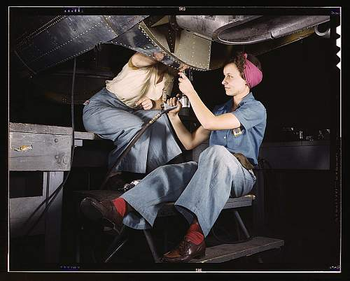 Click image for larger version.  Name:Women of WWII 6 (2) (2) WRF800.jpg Views:90 Size:54.9 KB ID:549857