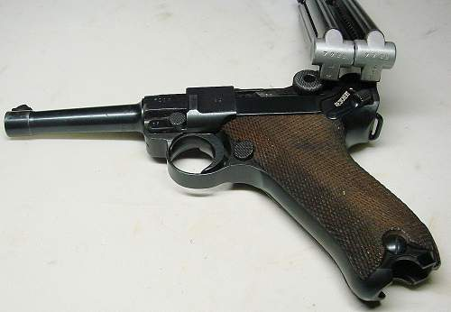 Click image for larger version.  Name:Mauser code S 42 1938 chamber dated with two matchining magazines.jpg Views:951 Size:155.0 KB ID:73867