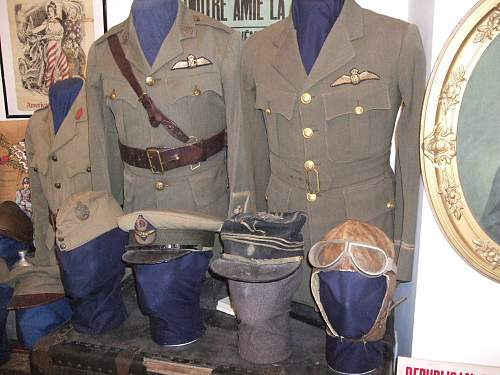 The Uniform Group of an American volunteer with the RFC