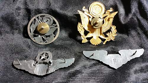 help needed with us badges/wings - ww2 ?
