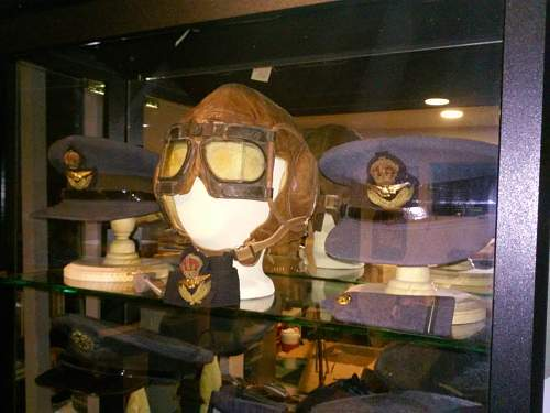 Click image for larger version.  Name:Canadian Flight Helmet and MK IVB Goggles 1.jpg Views:17 Size:208.1 KB ID:971603