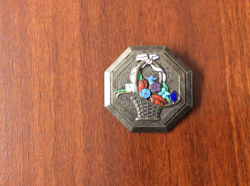 Identification of insignia either imperial Russian or German