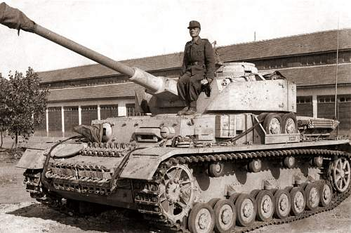 Click image for larger version.  Name:BulgarianPanzerTroop.jpg Views:4114 Size:178.4 KB ID:125735