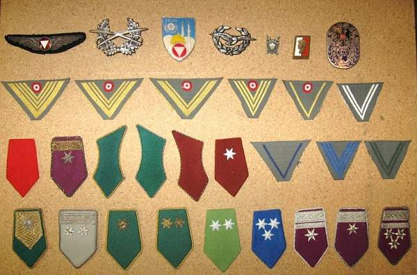 Click image for larger version.  Name:U. badges 1.jpg Views:132 Size:140.1 KB ID:19232