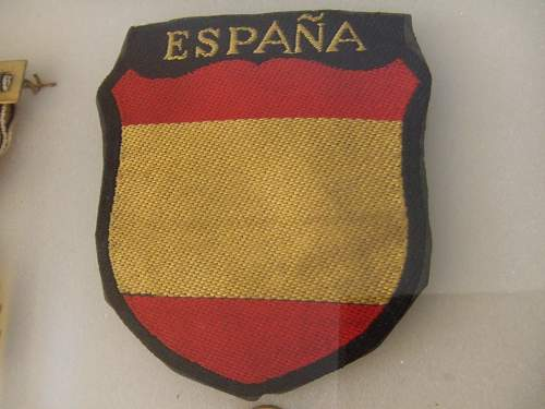Here are my Spanish Blue Division items