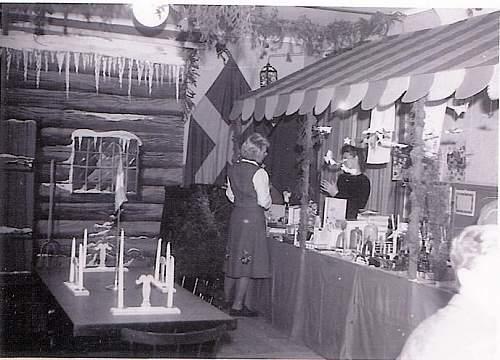 Click image for larger version.  Name:Julfest 1948 Markvardsgatan 5[1].JPG Views:306 Size:177.5 KB ID:296400