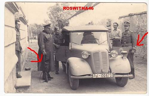 Click image for larger version.  Name:!Police in Croatia w Erma.JPG Views:248 Size:175.6 KB ID:322728