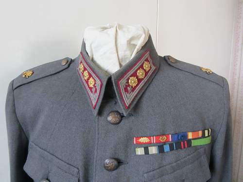 Finnish wartime uniforms, colonel and corporal !