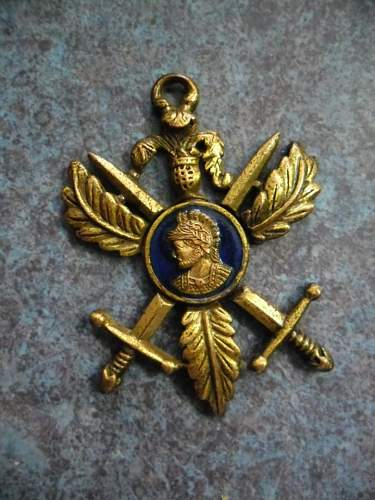 No one has been able to help me with this UNKNOWN  medal Anyone like to give it a go ????